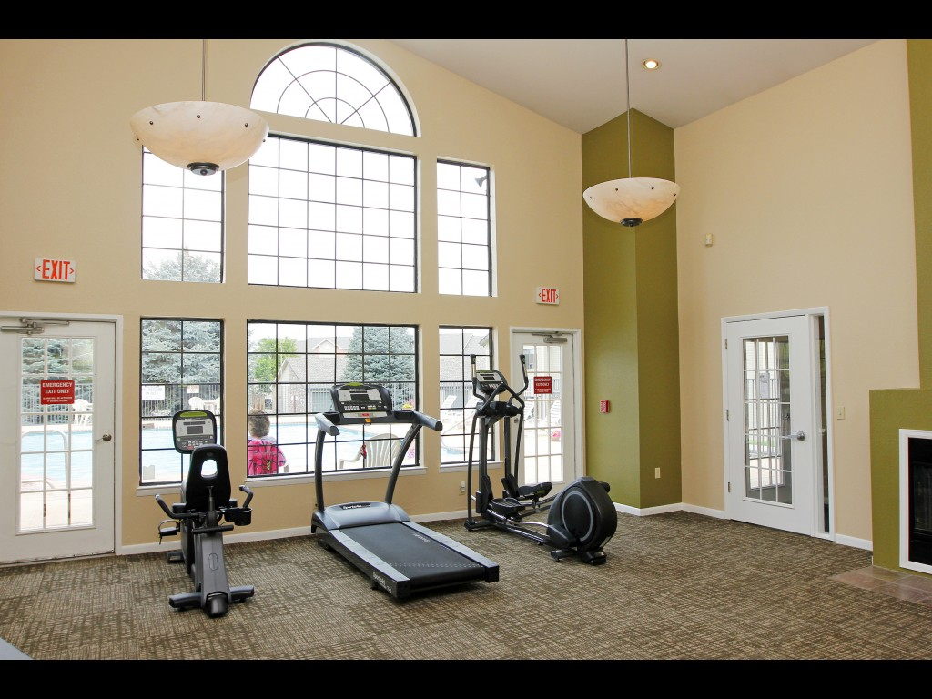 clubhouse-exercise-room