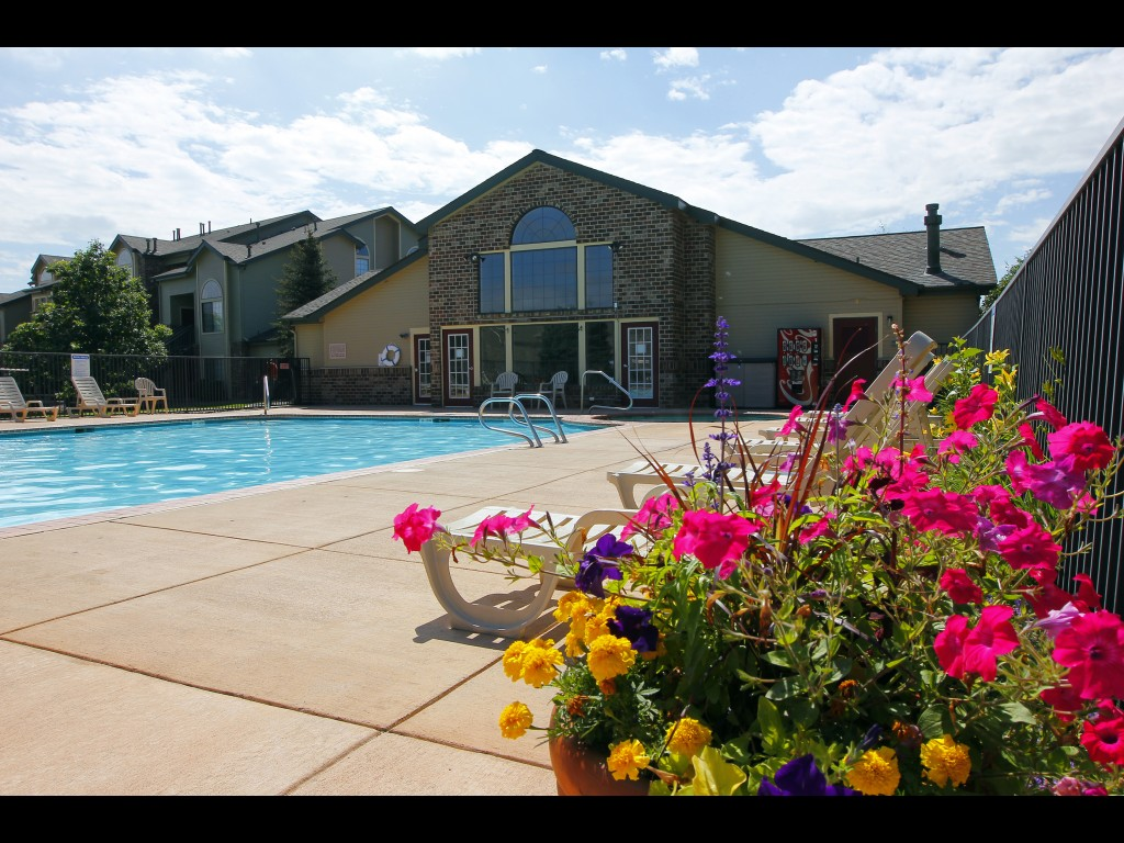pool-and-clubhouse